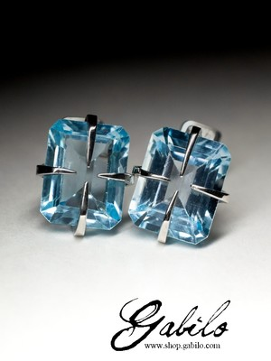 Silver earrings pouches with topaz