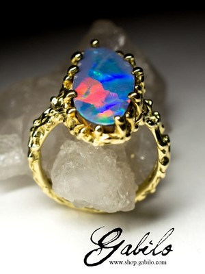 Doublet Opal Gold Ring