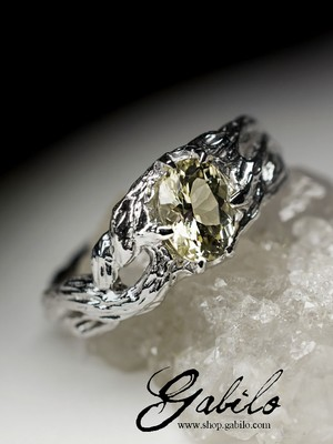 Silver ring with scapolite