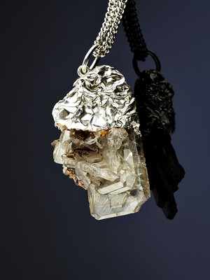 Pendant with barite in silver