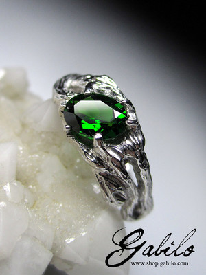 Chromediopside silver ring