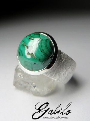 Large silver ring with Ural malachite