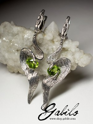 Chrysolite silver earrings