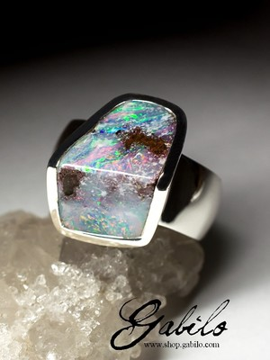 Silver ring with boulder opal