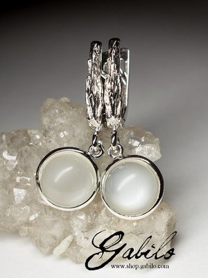 Moonstone silver earrings with chatoyant effect