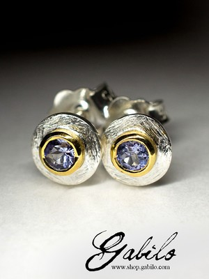 Silver earrings puset with tanzanite