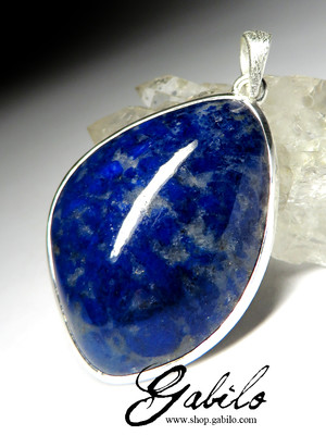 Pendant with lapis lazuli in silver