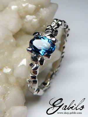 Blue topaz gold ring with Gem Report MSU