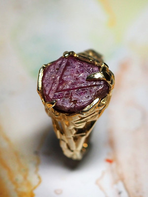 Raw ruby crystal gold ring