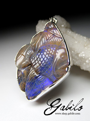 Opal carving silver pendant