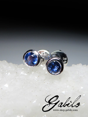 Made to order: Sapphire gold earrings