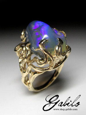 Gorgeous Big Jelly Neon Opal Gold Ring