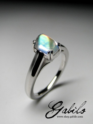 Rainbow moonstone gold ring