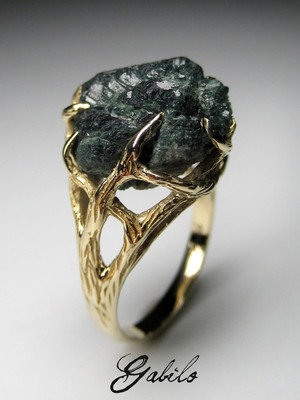 Alexandrite crystal gold ring