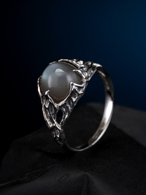 Moonstone gold ring