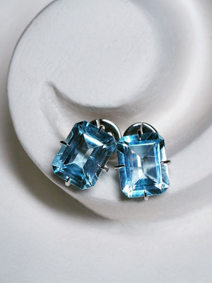 Topaz gold earrings