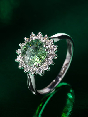 Tourmaline Paraiba gold ring with diamonds
