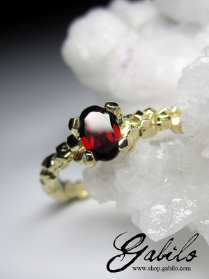 Almandine Gold Ring
