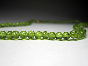 Beads made of chrysolite