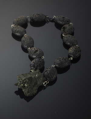 Necklace with arfvedsonite and volcanic lava