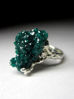 Ring with dioptase