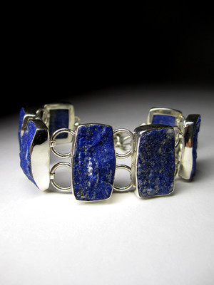 Bracelet from raw lapis lazuli in silver