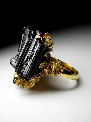 Certified ring with crystals of black tourmaline