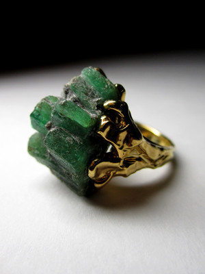 Made to order: Ring with emeralds in gold