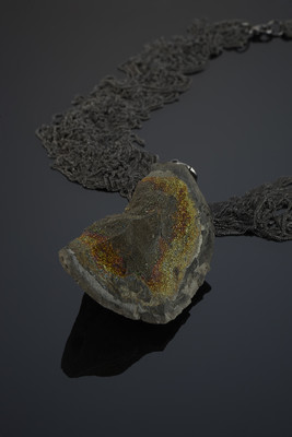 Pendant with spectropyrite