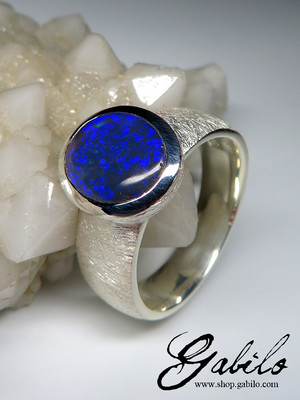 Black opal noble silver ring