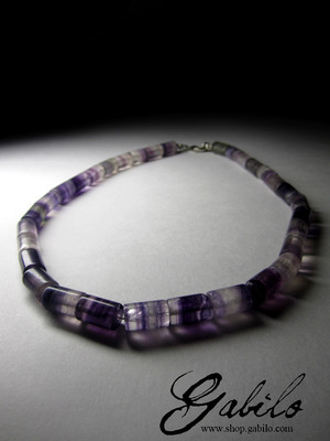 Beads from fluorite
