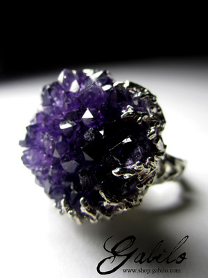 Made to order: Gold ring with amethyst