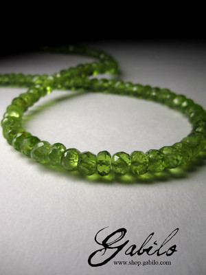 Beads of chrysolite cut