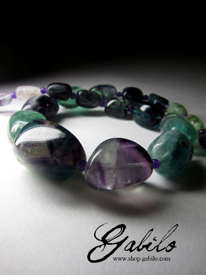 Necklace from fluorite