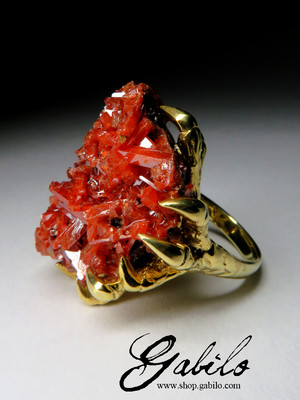 Large Ring with Crocoite