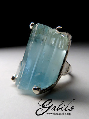 Made to order: Ring with a crystal of aquamarine