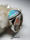 Opal Crystal Pipe gold ring
