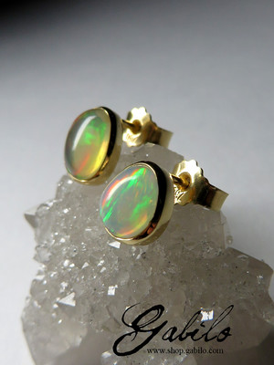 Made to order: Gold earrings with Ethiopian opal