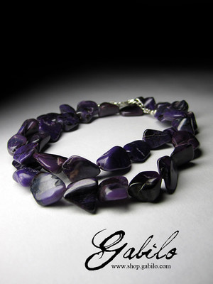 Beads from sugilite