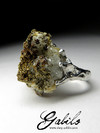 Ring with spectropyrite for calcite
