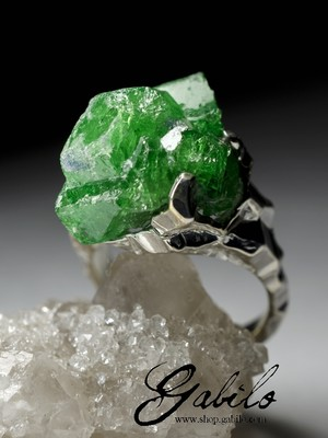 Silver Ring with Tsavorite Crystal Splice