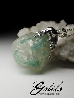 Emerald in quartz necklace
