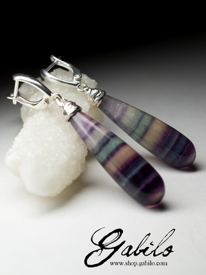 Earrings with polychrome fluorite