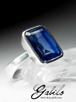 Silver ring with kyanite