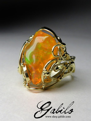 Made to order: Mexican opal gold ring
