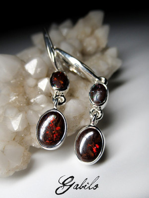Silver earrings with boulder opal