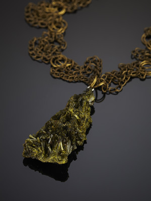 Pendant with epidote on bronze chains