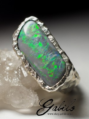 Men's ring with black opal