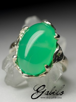 Chrysoprase gold ring