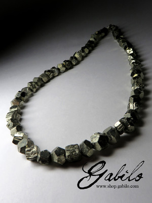 Beads made of pyrite crystals